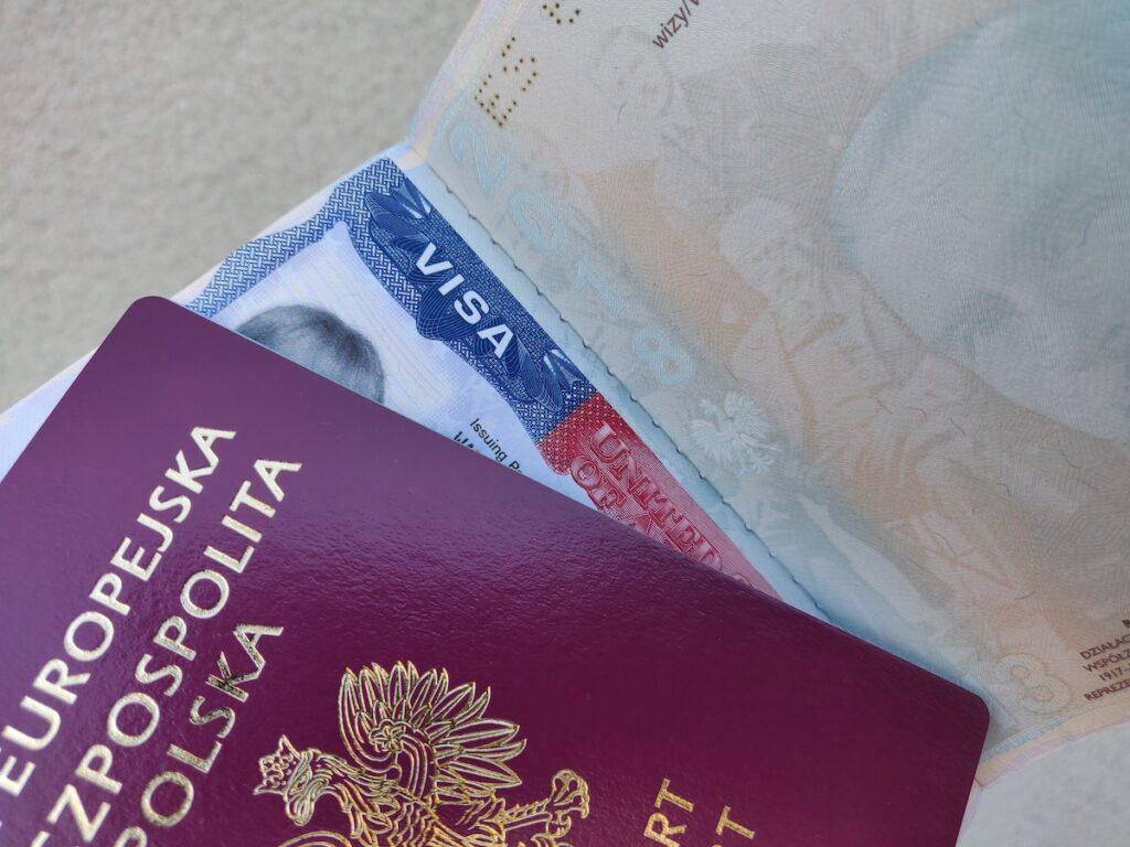 Przedłużenie prawa pobytu w USA - ważny paszport