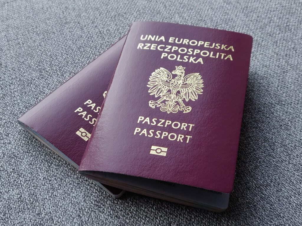 Wiza imigracyjna do USA - niezbędne dokumenty (paszport)