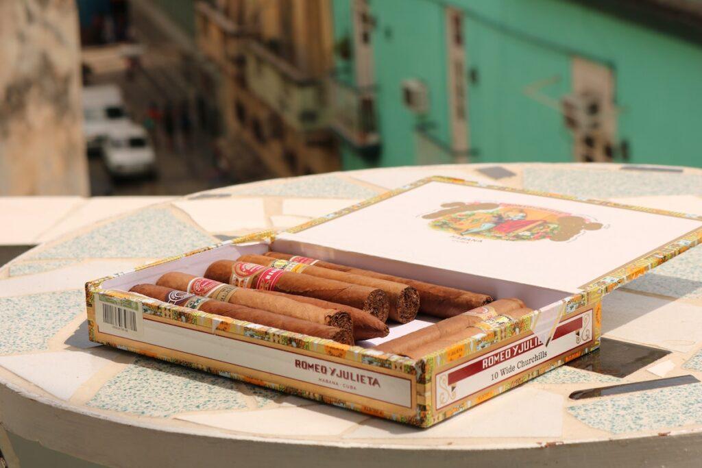 Ile można wywieźć cygar z Kuby