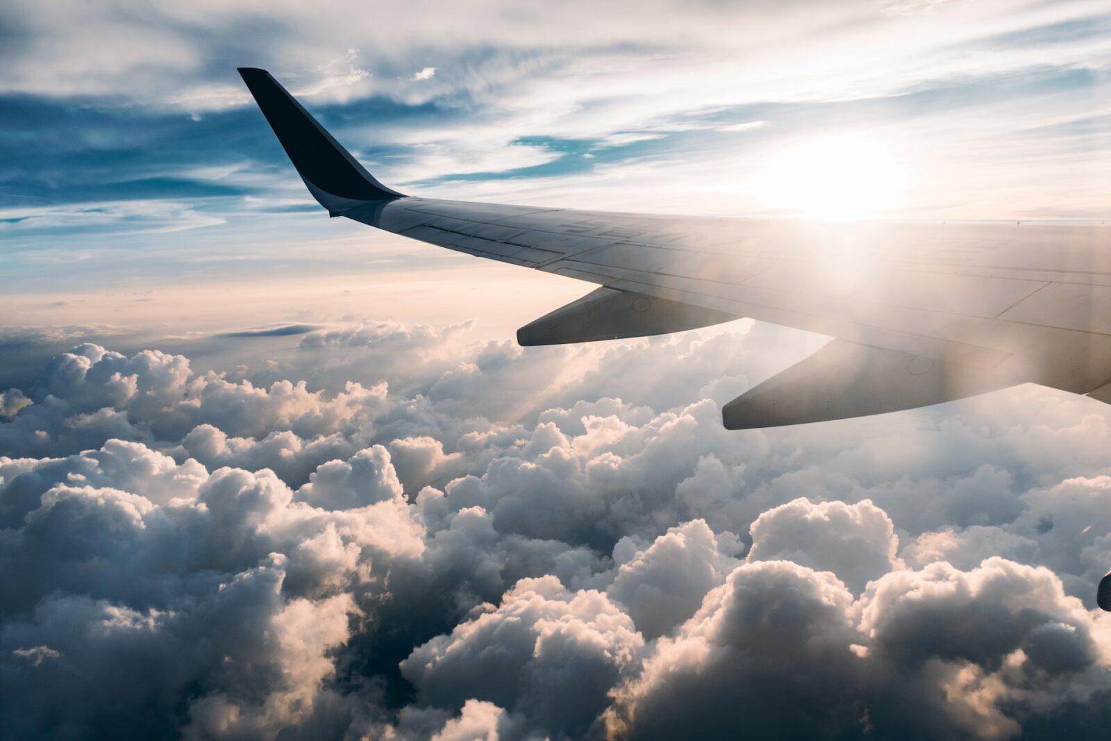 Jet lag - jak sobie z nim radzić, jak ograniczyć objawy?
