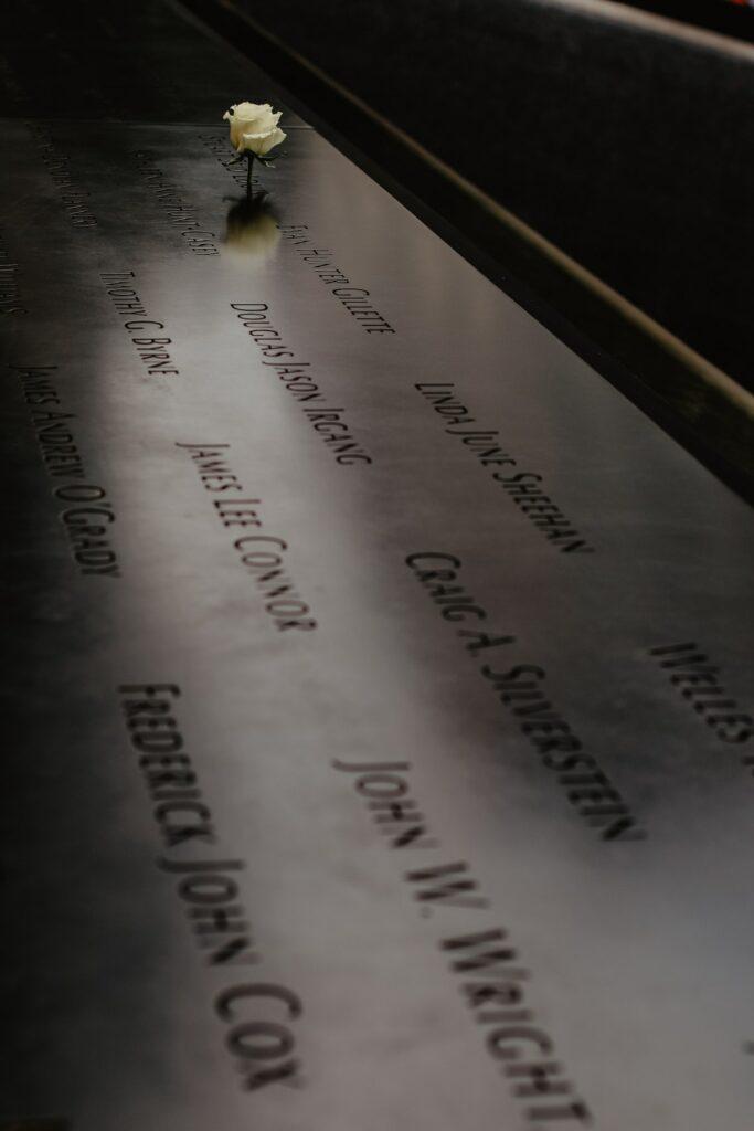 Obchody 11 września w Nowym Jorku - odczytywanie nazwisk ofiar